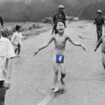 """El escándalo que generó la censura de Facebook a la histórica foto de """"la niña del napalm"""" de Vietnam"""