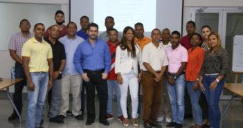 Parte-de-los-guías-participantes-junto-a-Carlos-Palacios-instructor-de-la-Universidad-de-Nebrija-770x439_c